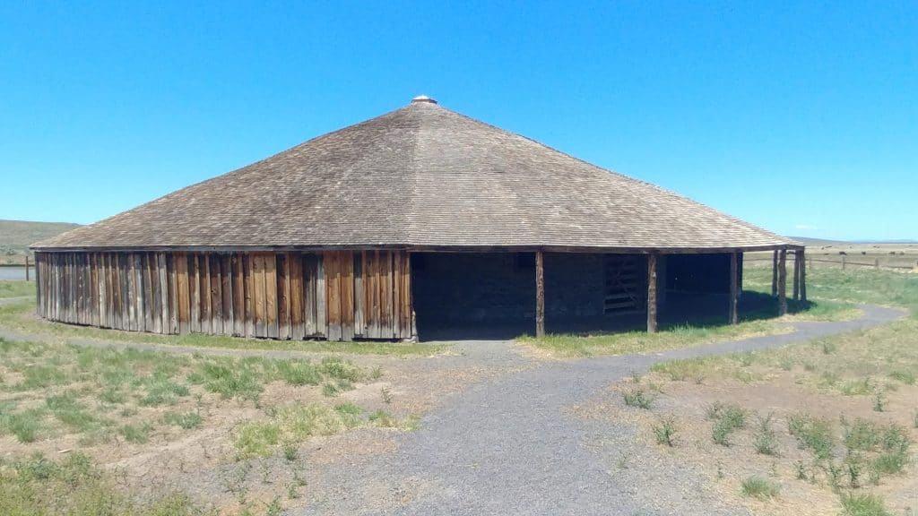Round Barn Glenn/French Ranch 1880 Crane Oregon