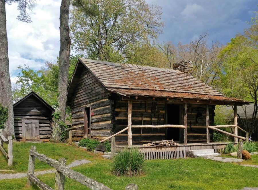 Cabin at Museum of Appalachia