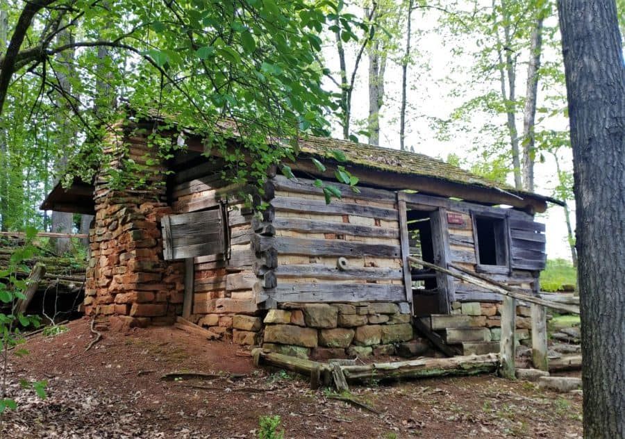 Cabin at Museum of Appalachia used in filming of Young Daniel Boon TV series.