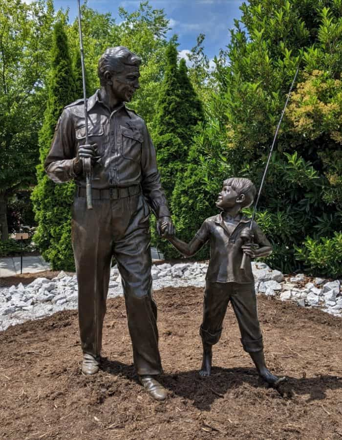 Bronze Statue of Andy and Opie in Mt Arie